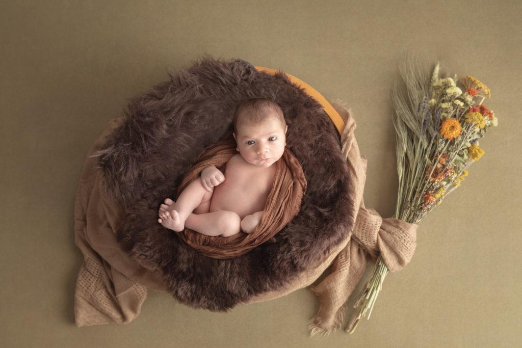 photo artistique nouveau-né bébé fleurs prop rond bol garçon lot-et-garonne marmande tonneins virazeil