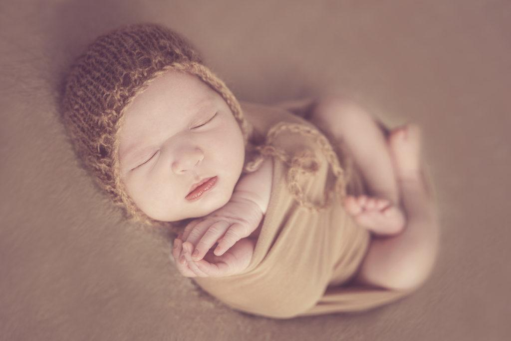 photo artistique bébé nouveau-né lot-et-garonne marmande tonneins virazeil emmailloté
