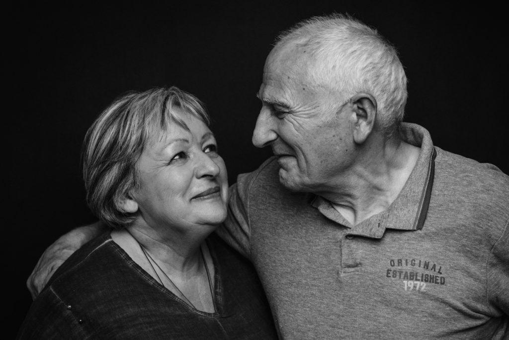 couple agé émotion noir-et-blanc photo portrait studio lot-et-garonne marmande tonneins virazeil