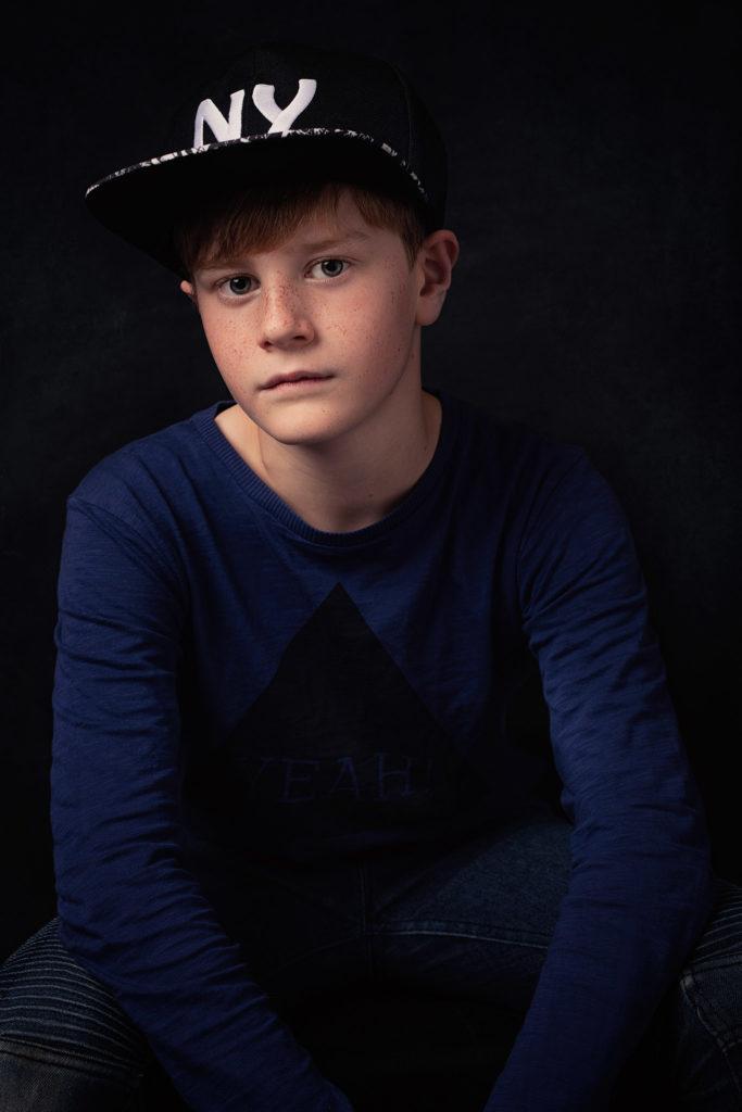 jeune garçon enfant cool casquette fashion magazine photo portrait studio lot-et-garonne marmande tonneins virazeil