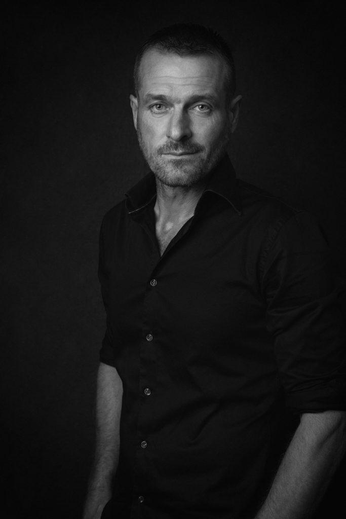 homme classique fashion magazine noir-et-blanc photo portrait studio lot-et-garonne marmande tonneins virazeil